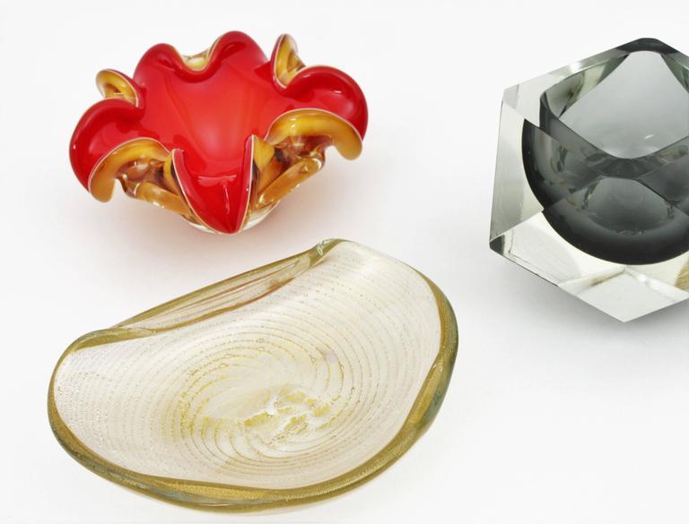 Italian Barovier Toso Murano Gold Flecks Swirls Glass Bowl, Ashtray or Vide-Poche For Sale