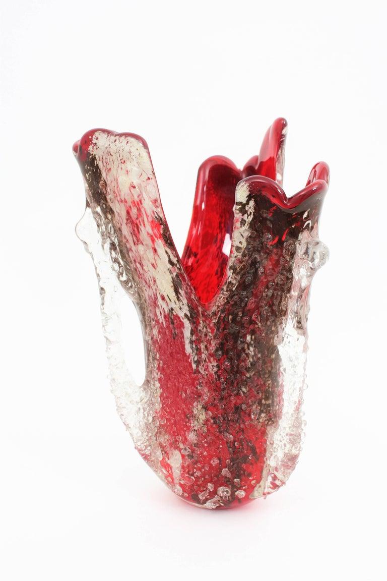 Hand-Crafted Mid-Century Modern Macette Murano Red & White Italian Art Handblown Glass Vase For Sale