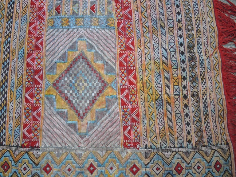 Vintage Moroccan Silk and Wool Flat-Weave Kilim Carpet In Good Condition For Sale In Antwerp, BE