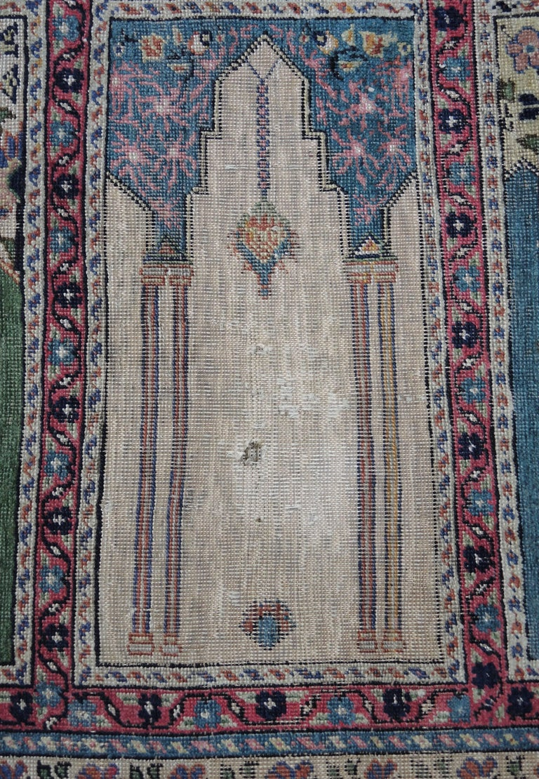 Antique Turkish Anatolian Kayseri Silk Rug with Architectural Arches and Pillars In Fair Condition For Sale In Antwerp, BE