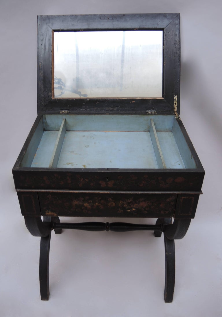 Découpage 19th Century English Regency Black Decoupage Side Table or Dressing Table For Sale