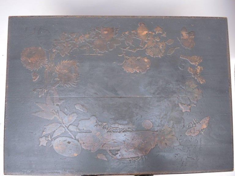 19th Century English Regency Black Decoupage Side Table or Dressing Table For Sale 1