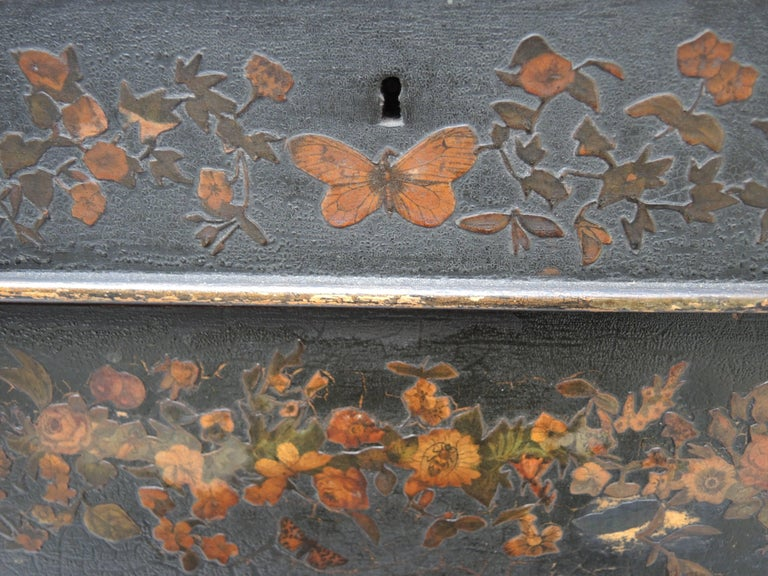 19th Century English Regency Black Decoupage Side Table or Dressing Table For Sale 2