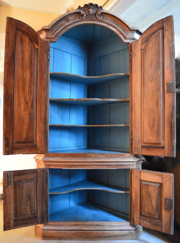 18th Century Dutch Baroque Walnut Corner Cabinet with Carved Cartouche Crown 3