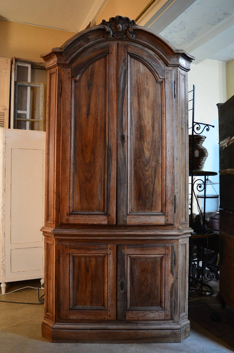 18th Century Dutch Baroque Walnut Corner Cabinet with Carved Cartouche Crown 4