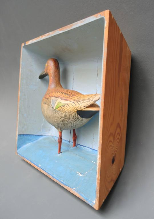 Swedish Shadow Box Diorama with a Hand-Carved and Painted Wood Shore Bird In Good Condition For Sale In Antwerp, BE