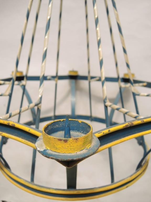 Swedish Painted Blue Wrought Iron Midsummer's Eve Festival Chandelier In Good Condition For Sale In Antwerp, BE
