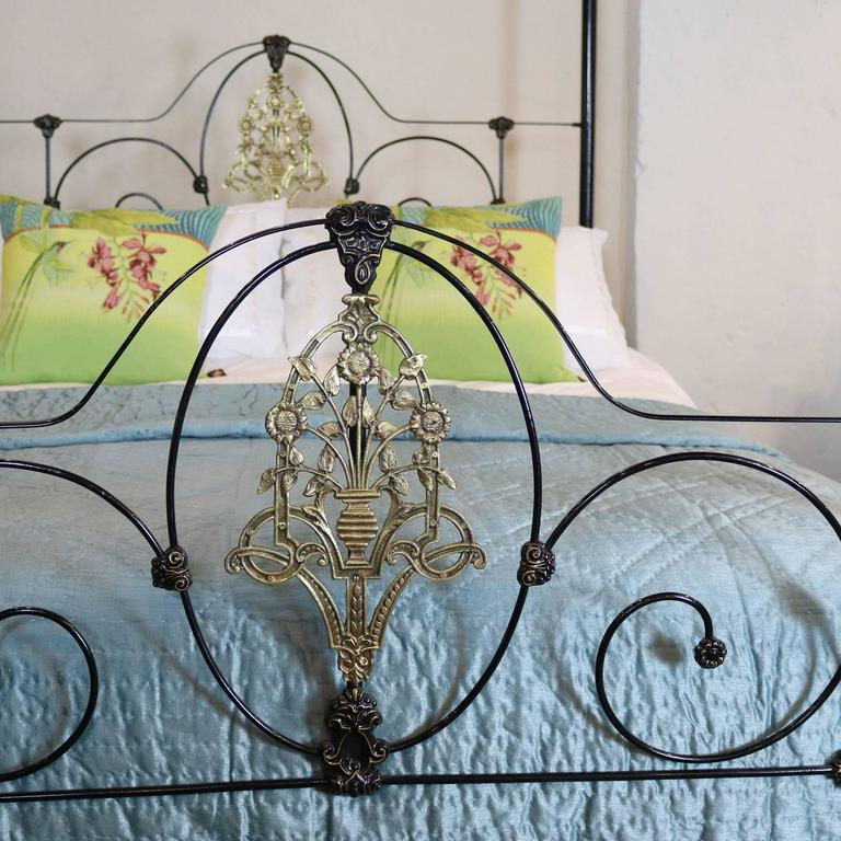 Cast Iron Four Poster Bed With Sunflower Design M4p18 At