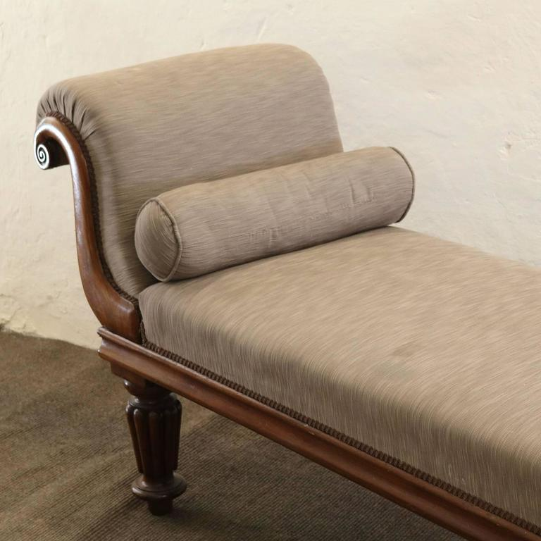 Mahogany chaise longue ws8 at 1stdibs for 1 zitsbank met chaise longue