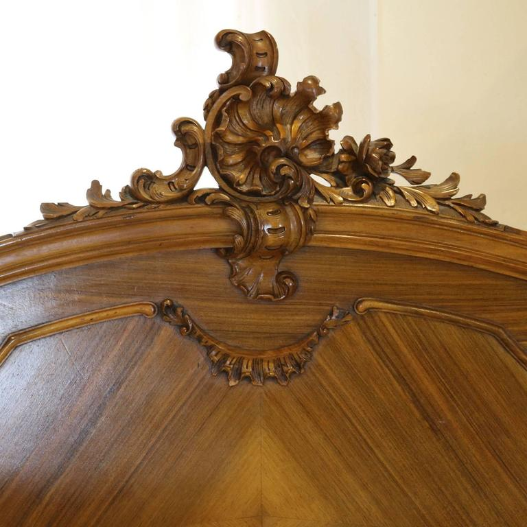 French Louis XV Style Bed in Walnut In Excellent Condition In Wrexham, GB