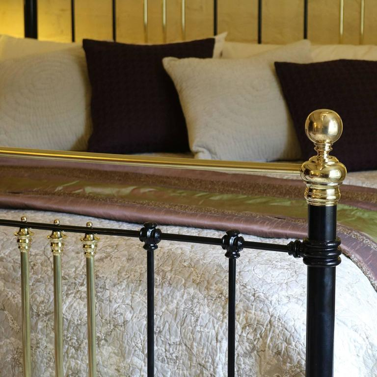Victorian Wide Brass and Iron Bed in Black, MSK29 For Sale