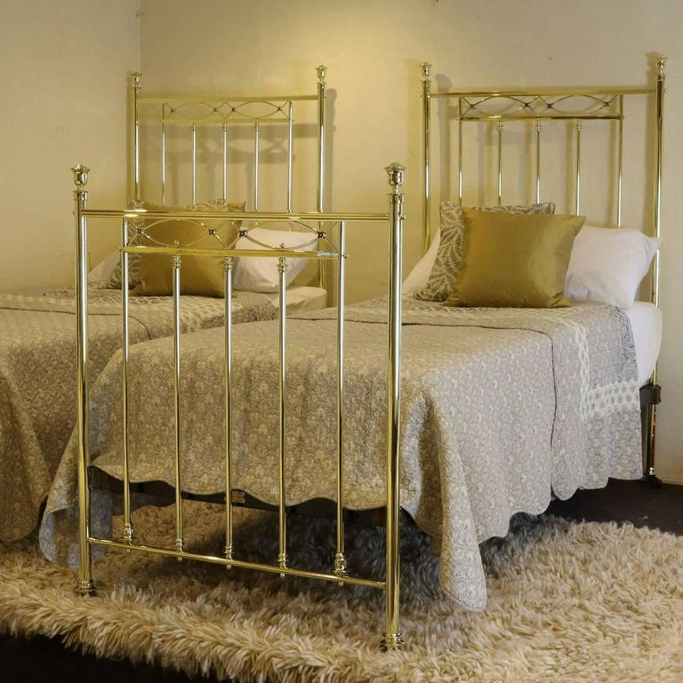 matching pair of twin brass beds mps20 2