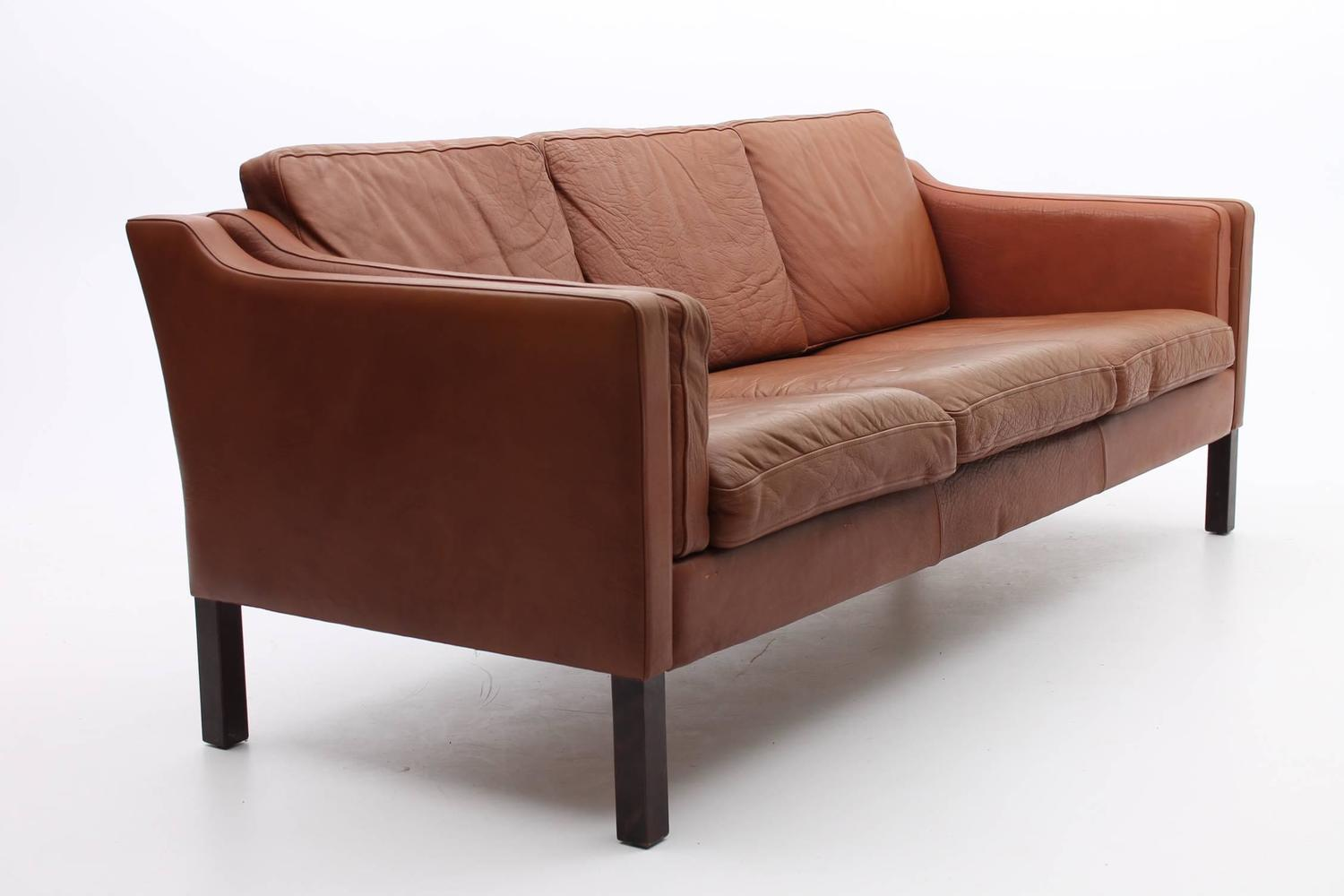 Chestnut brown leather sofa danish mid century modern for Mid century modern leather sofa