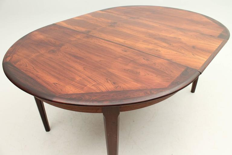 Rosewood Round Dining Table by Johannes Andersen at 1stdibs : 18bl from www.1stdibs.com size 768 x 512 jpeg 31kB