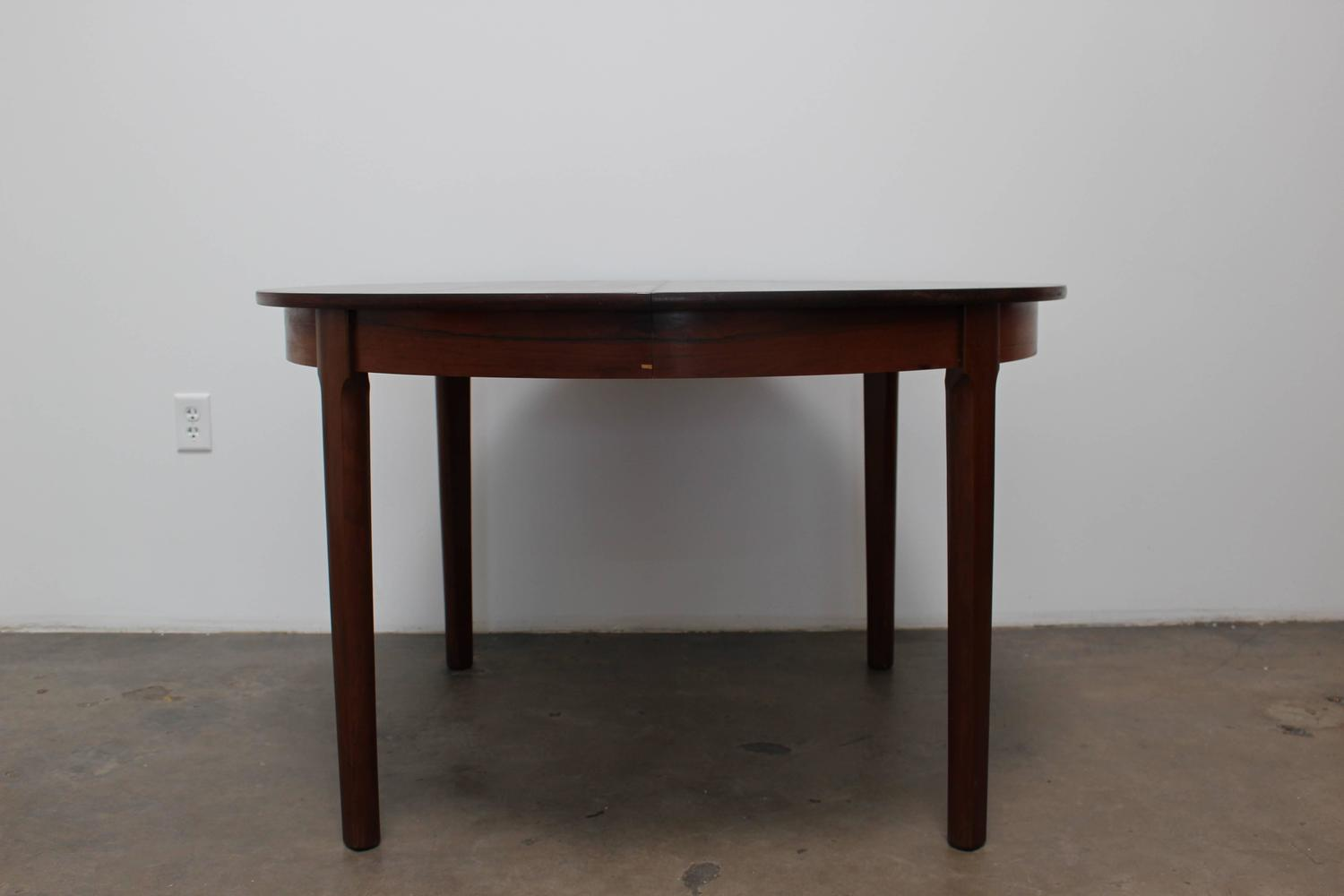Round rosewood dining table scandinavian modern circa for Most beautiful dining room tables