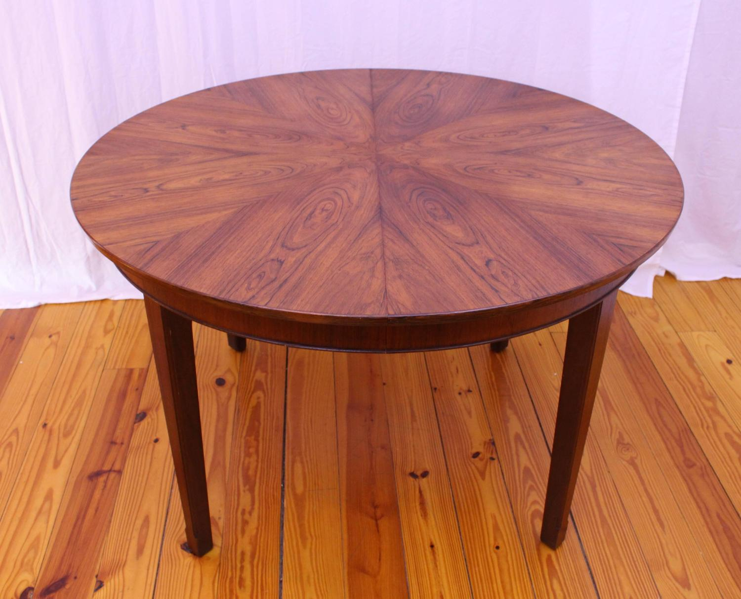 Danish Mid Century Modern Round Rosewood Dining Table At 1stdibs