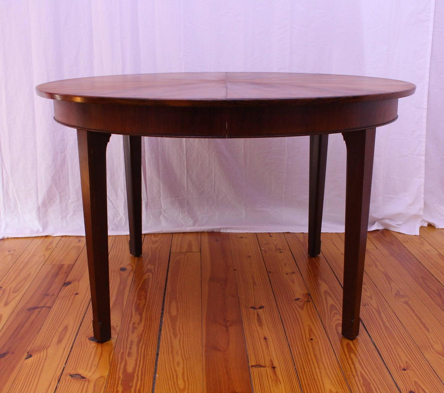 danish mid century modern round rosewood dining table at 1stdibs. Black Bedroom Furniture Sets. Home Design Ideas