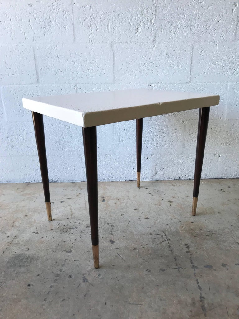 Paul Frankl Cork Top Side or End Table for Johnson Furniture Company In Excellent Condition For Sale In Miami, FL