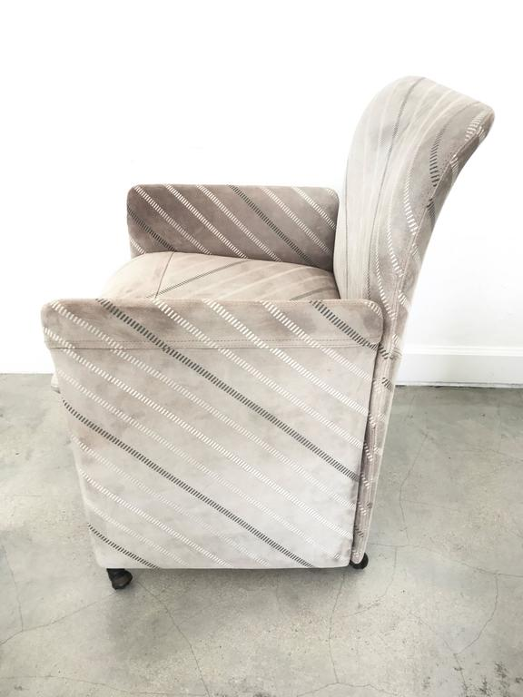 Three Suede Dining Chairs by Saporiti In Good Condition For Sale In Miami Beach, FL