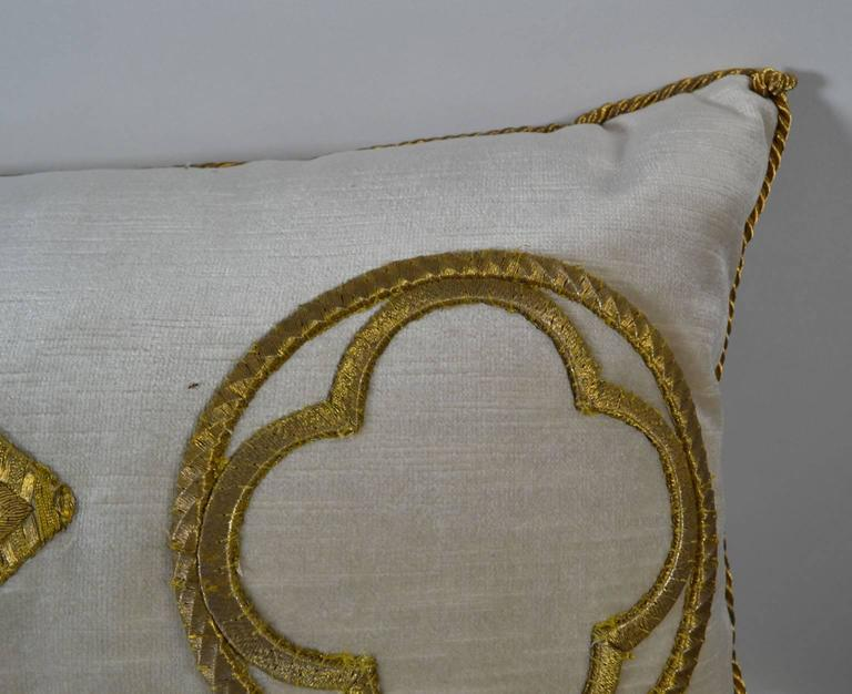 Antique Raised Gold Metallic Embroidered Applique Pillow In Good Condition For Sale In Vista, CA