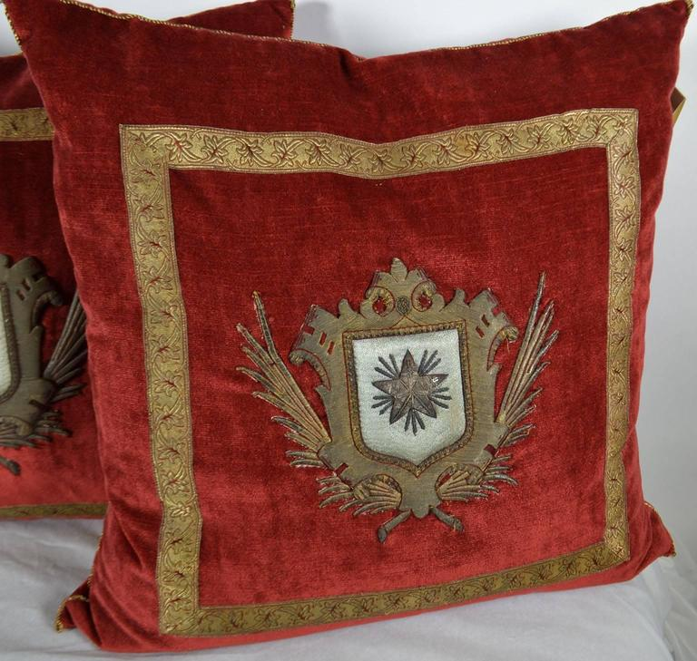 Pillow with Red Velvet Fabric and Antique Trim and Crest In Excellent Condition In Vista, CA