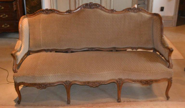 Regence walnut canap for sale at 1stdibs for Canape for sale