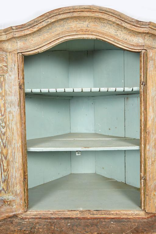 Painted 18th Century Gustavian Corner Cabinet For Sale