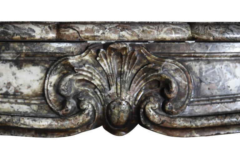 18th Century Regency Period Belgian Antique Fireplace Mantel In Good Condition For Sale In Beervelde, BE