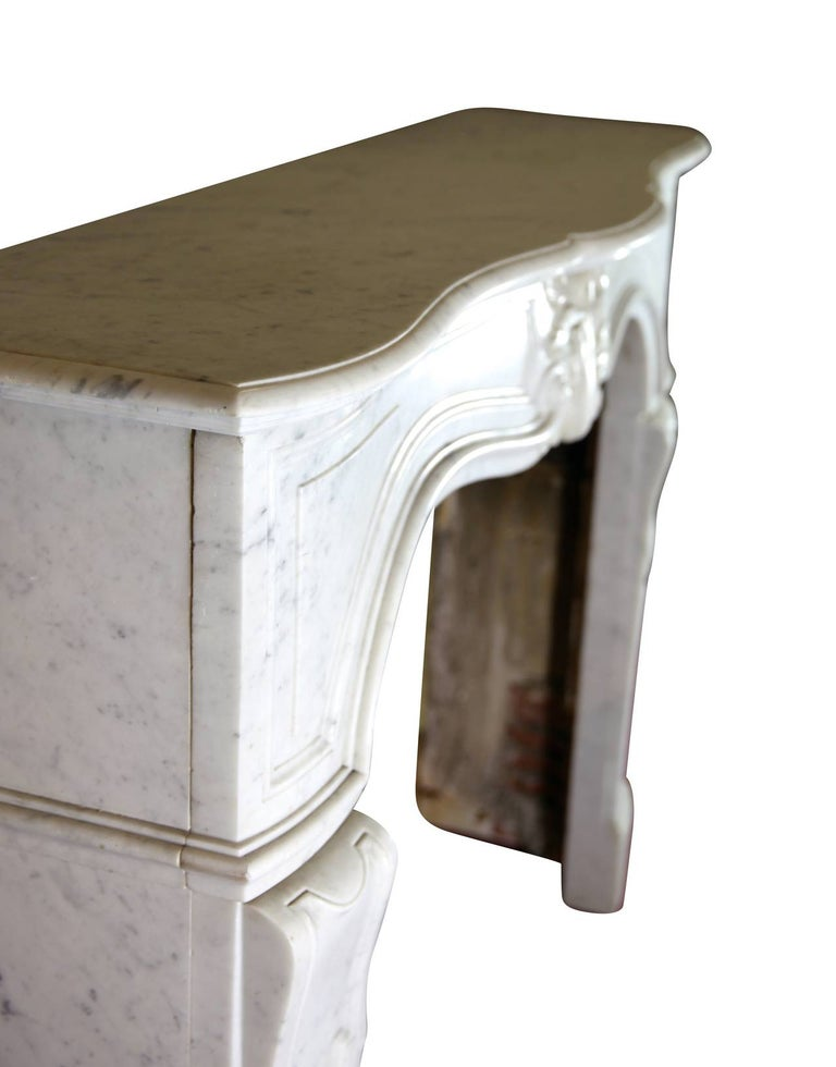 19th Century Regency Style White Carrara Marble Antique Fireplace Surround In Good Condition For Sale In Beervelde, BE