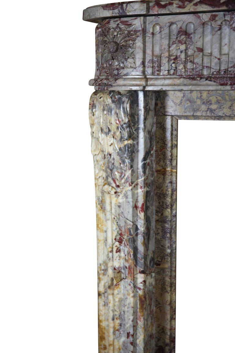 18th Century Fine Royal French Saracolin Marble Vintage Fireplace Mantel In Excellent Condition For Sale In Beervelde, BE