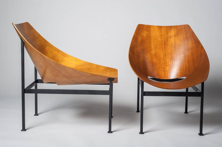 Le12bis is the name of this armchair.