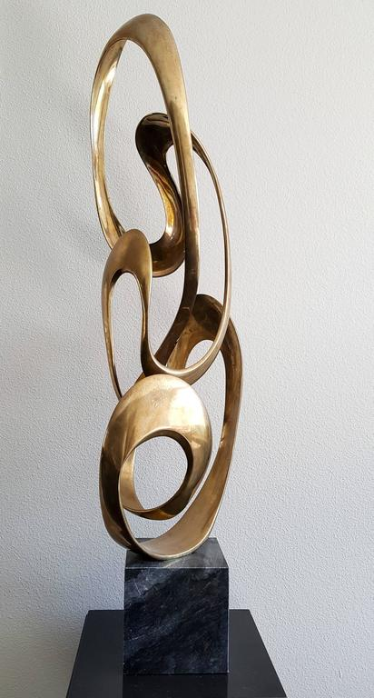 Monumental Tom Bennett Brass Ribbon Sculpture Expressway LG In Good Condition For Sale In Tempe, AZ