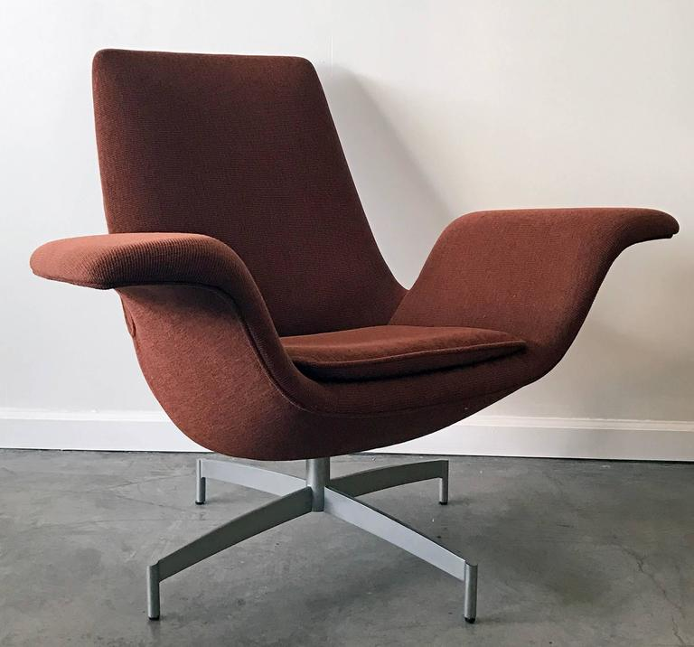 HBF Furniture Dialogue Lounge Chair In Good Condition For Sale In Tempe, AZ