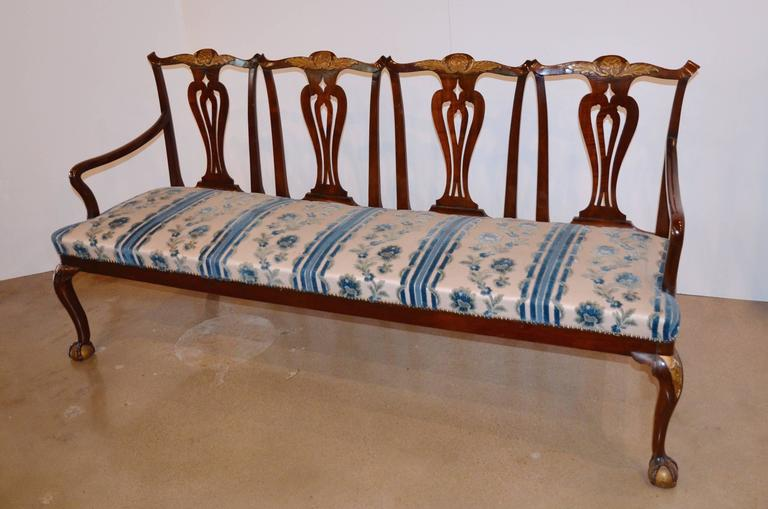Woodwork Chippendale Style Mahogany Four-Seat Back Settee For Sale
