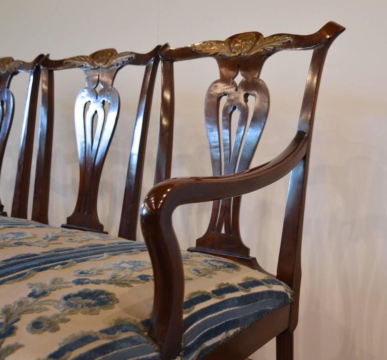 Chippendale Style Mahogany Four-Seat Back Settee In Good Condition For Sale In Austin, TX