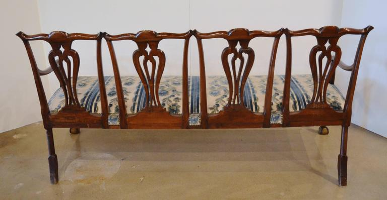 19th Century Chippendale Style Mahogany Four-Seat Back Settee For Sale
