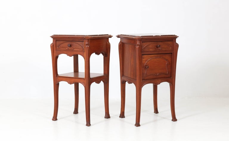 Early 20th Century Pair of French Art Nouveau Majorelle Style NightStands or Bedside Tables, 1900s For Sale