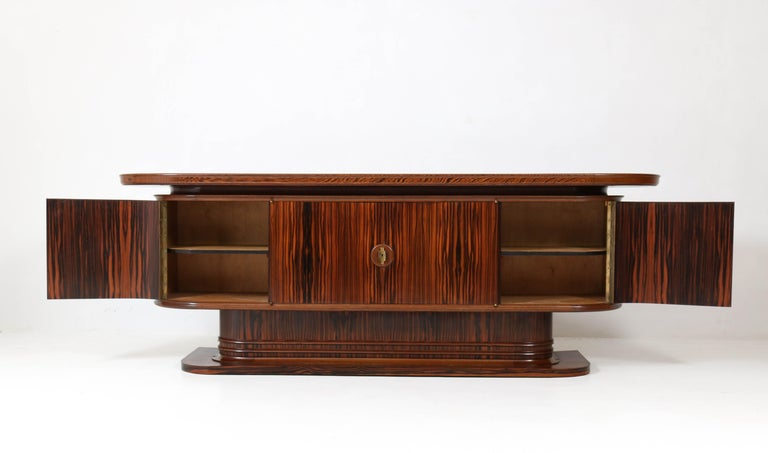 Macassar Ebony Dutch Art Deco Sideboard or Credenza by Gebroeders Reens, 1930s In Good Condition For Sale In Amsterdam, NL