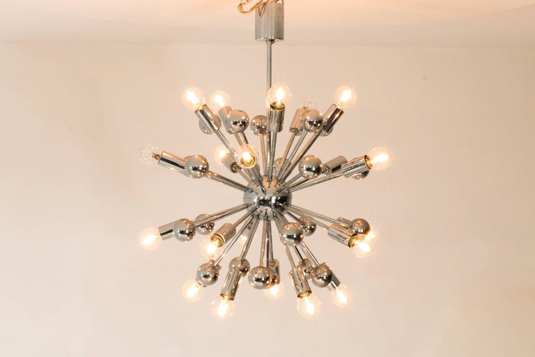 Chrome French Mid-Century Modern Sputnik Chandelier, 1970s In Good Condition For Sale In Amsterdam, NL