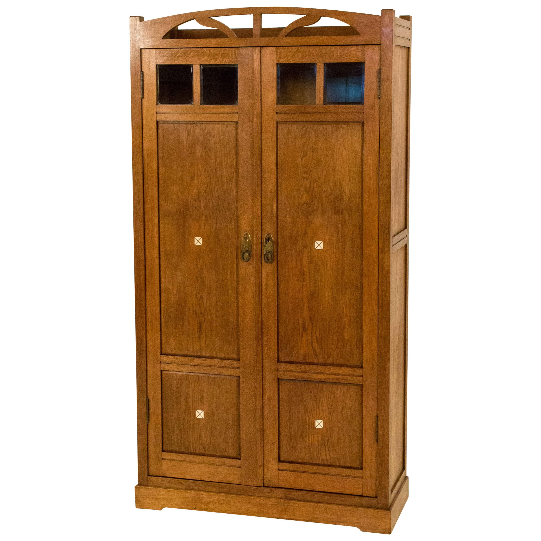 Attirant Dutch Oak Art Nouveau Armoire With Inlay, 1900s For Sale