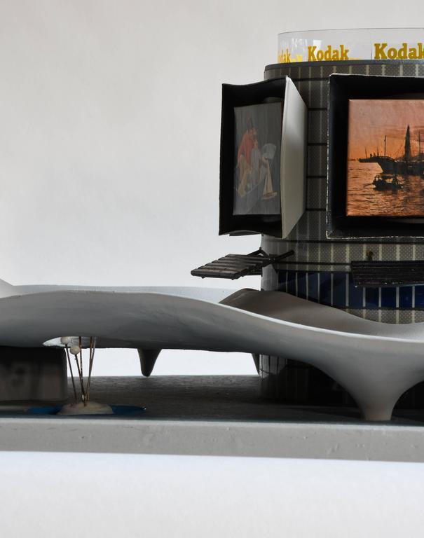 1964 New York World's Fair Kodak Pavilion architectural model In Good Condition For Sale In Lafayette, CA