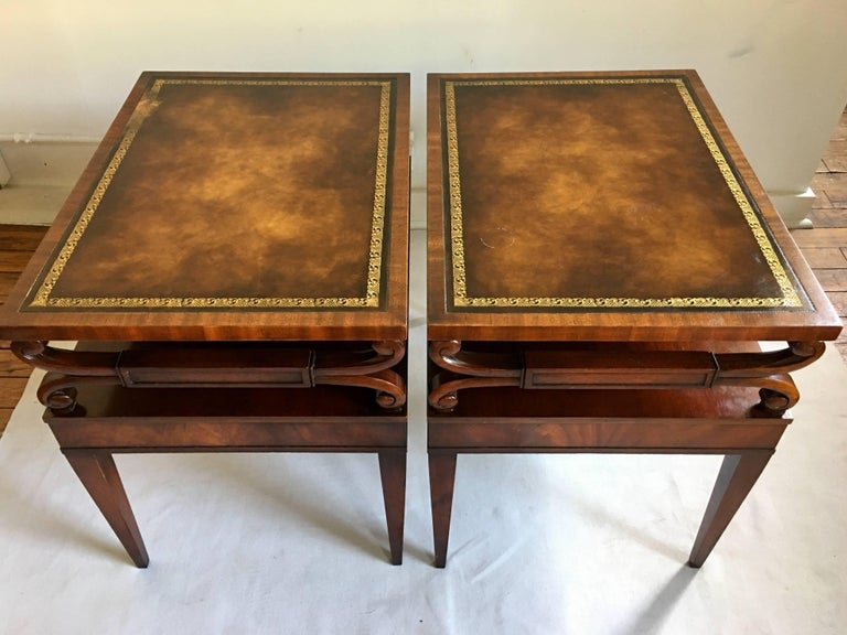 Midcentury Mahogany Scrolled Leather End Side Tables by Weiman, Pair In Good Condition For Sale In Lambertville, NJ