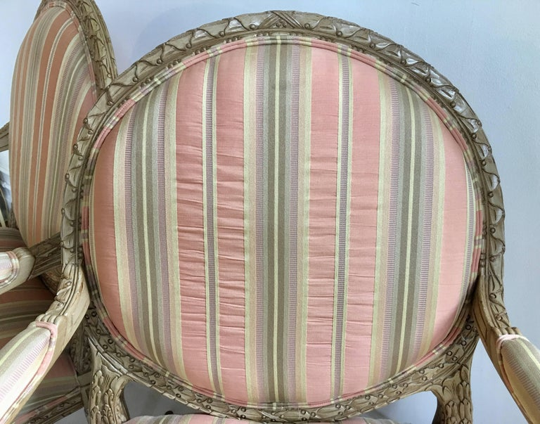 Upholstery French Louis XVI Style Carved Fauteuil Bergère Armchairs by Henredon, Pair For Sale