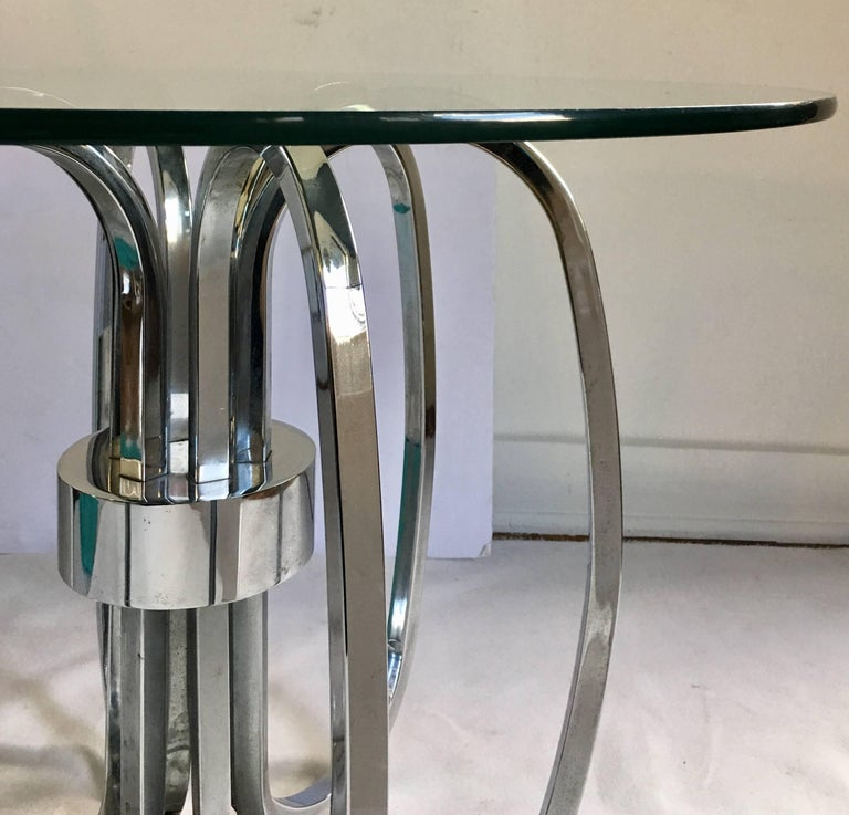 Mid-Century Modern Chrome and Glass Sculptural Round Side Accent Table, 1970s For Sale 1
