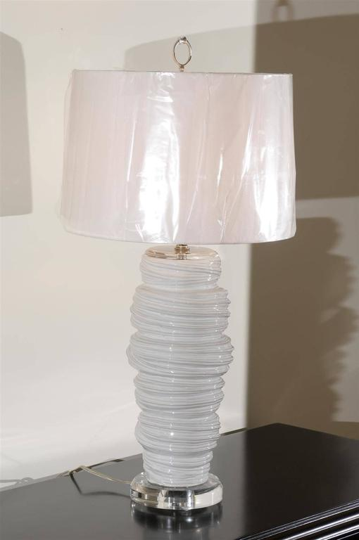 Gorgeous Pair of Ceramic and Lucite Soft Serve Style Lamps In Excellent Condition For Sale In Atlanta, GA