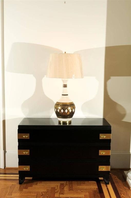 Mid-Century Modern Dazzling Restored Pair of Vintage Lamps by Fortune Lamp Company For Sale