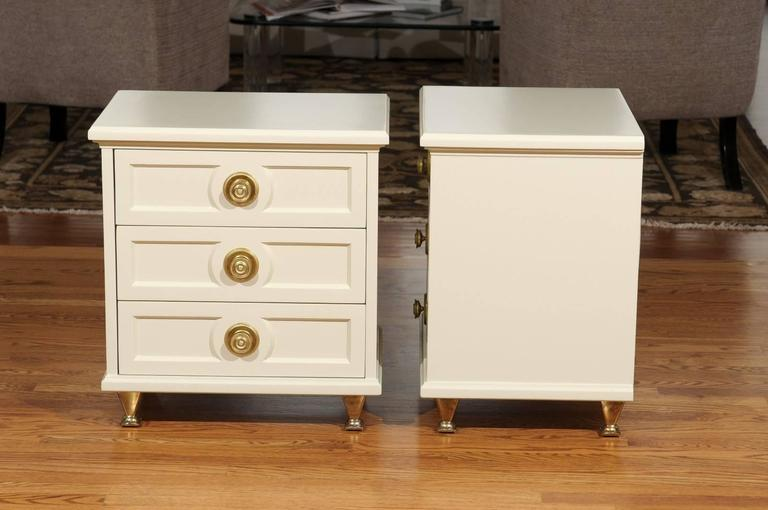 Chic Restored Pair of Small Chests in the Style of Renzo Rutili In Excellent Condition For Sale In Atlanta, GA