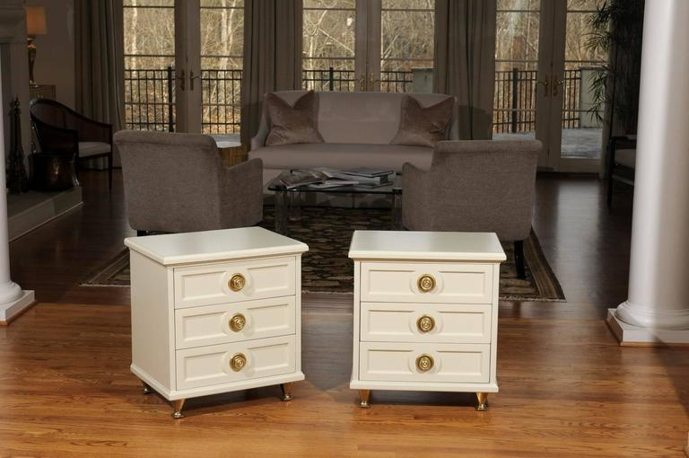 Mid-Century Modern Chic Restored Pair of Small Chests in the Style of Renzo Rutili For Sale