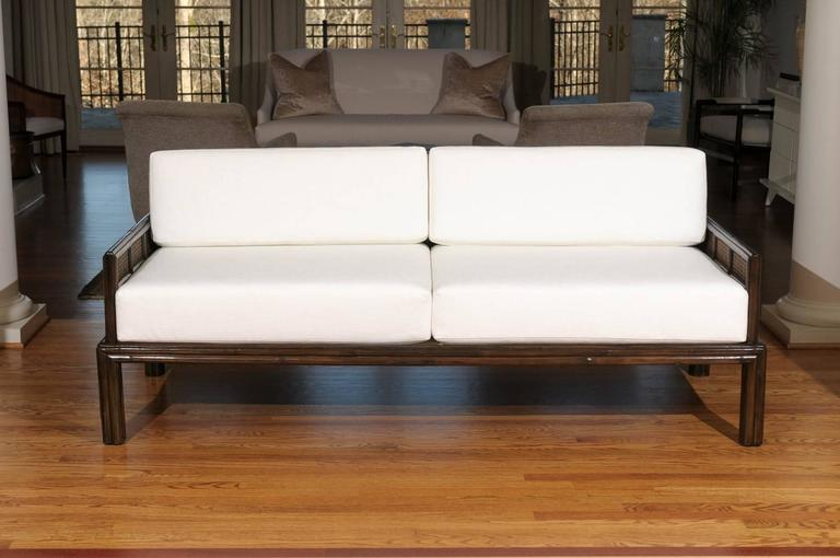Superbe Fabulous Vintage McGuire Sofa In The Style Of Michael Taylor In Excellent  Condition For Sale In