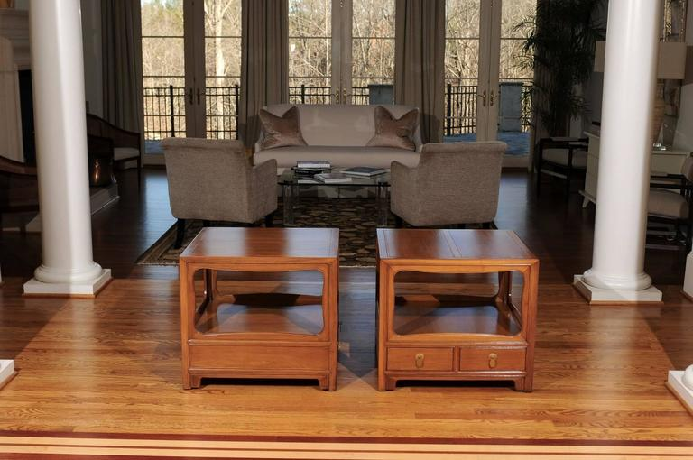 Mid-Century Modern Beautiful Restored Pair of Walnut End Tables by Michael Taylor for Baker For Sale
